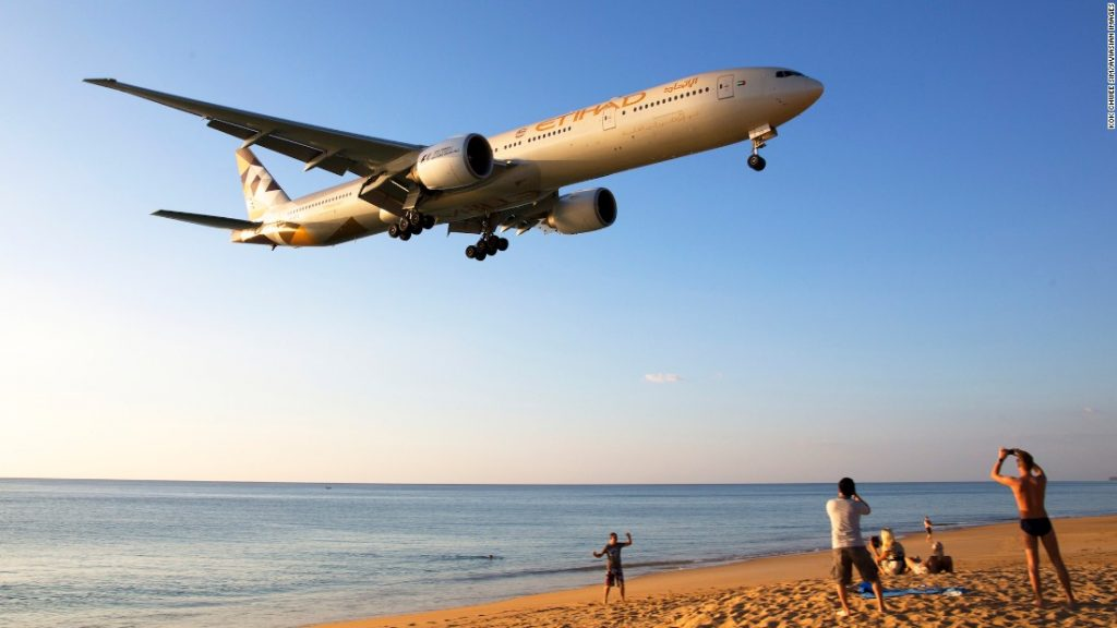 etihad-international-airline-phuket