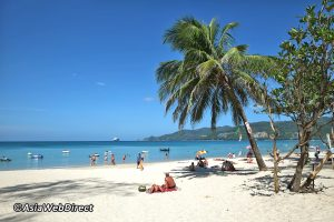 peak-season-patong-beach